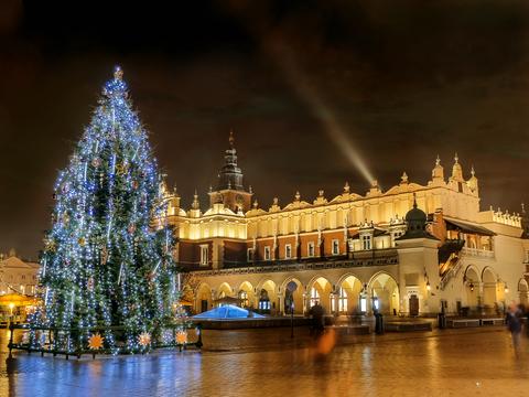 Christmas-Cloth-Hall-Poland.jpg - 228.28 kB