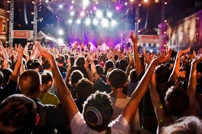 music-festival-2.jpg - 121.01 kB
